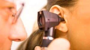 Как вылечить ушной дерматит у человека